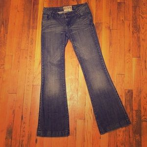 American Rag Women's Flaired stretch Jeans size 3